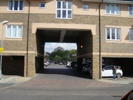 3 Bed Mitcham Flat - Swap Raynes Park/ Wimbledon/Kingston/ KT postcodes