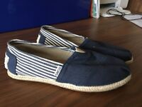 size 5 Toms