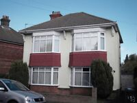 Large 4 double bedroom house ideally situated in Winton close to the University.