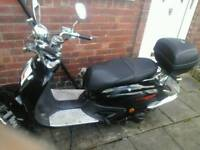 Retro Scooter 124cc / £650 ONO/MOT expires Nov 2018**DECENT OFFERS ACCEPTED!