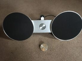 BANG AND OLFUSON IPHONE / IPAD DOCK SPEAKERS