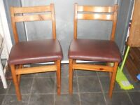 4 matching kitchen chairs