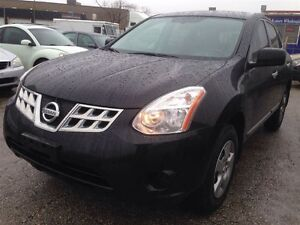 2011 Nissan Rogue S/mint condition/accident free/best rate finan