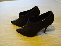 Black ankle boots / shoe boots size 5 BRAND NEW