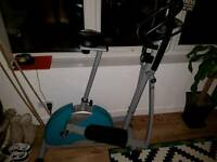 Crosstrainer and exercise bike