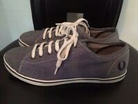 FRED PERRY CANVAS SHOES SIZE 5