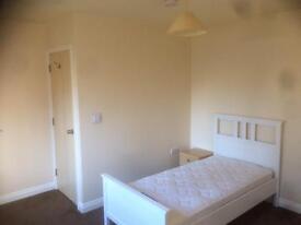 Room to rent in hinckley