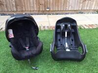 Graco 0+ Car Seat and two car seat bases