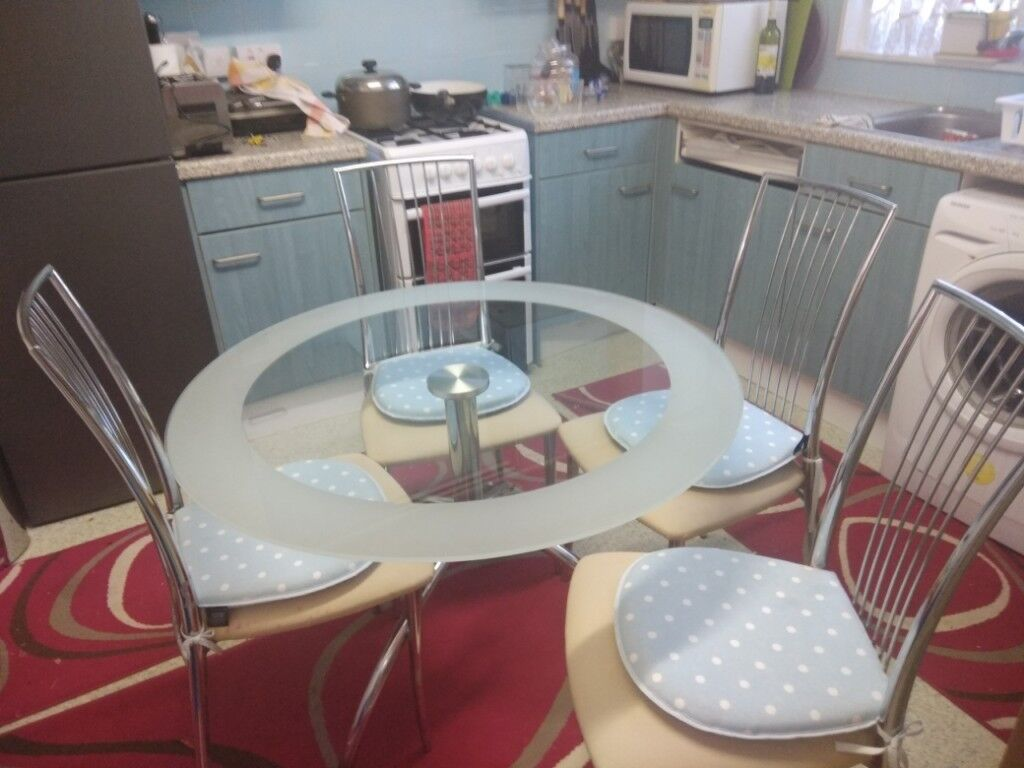 Used Round Dining Table And Chairs In Barnet London