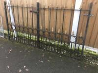 Set Of Arrow Head Solid Steel Driveway Gates / Double Gates / Can Deliver