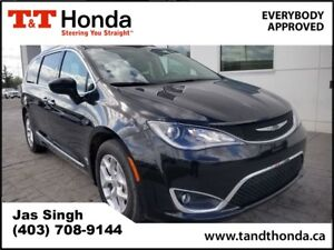 2017 Chrysler Pacifica Touring-L Plus* Rear Camera, Heated Seats