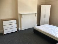 2 Spacious Double Rooms and 1 Spacious Single Room Available in Wolverhampton - Bills Included!