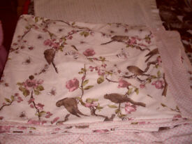 DOUBLE LARGE /SMALL KING SIZE DOUBLE SIDED DUVET ( ONLY 1 PILLOW CASE THOUGH )