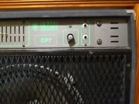 Stage bass guitar amplifier integrated with speaker