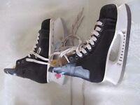 Bauer proteam 25 ice skates.