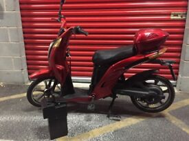 Electric Scooter Moped with Paddles 35KmH Fast & Reliable With Good Battery & Charger