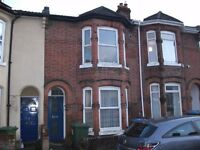 Fully furnished 2 double bedroom flat to rent in Portswood - available from 1st July