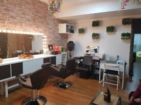 Fully decorated commercial property - cheap rent
