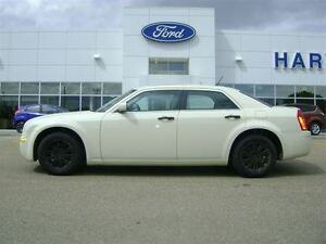 2008 Chrysler 300 Touring,MOONROOF,LEATHER