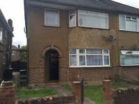 2 bedroom flat in Scotts Road, Southall, UB2