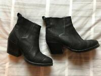 Leather boots size 38 Mimco