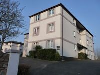 Refurbished and well presented 1 bedroom, furnished flat to rent with allocated parking
