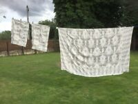 BEAUTIFUL heavyweight king size quilt cover and 2 pillowcases. IMMACULATE CLEAN CONDITION.
