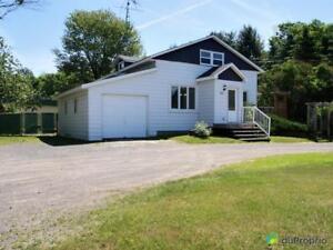 379 000$ - Maison 2 étages à vendre à Ste-Anne-Des-Plaines