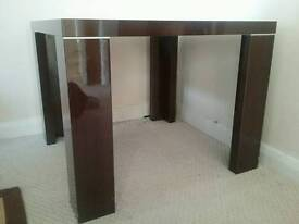 Square side / coffee table