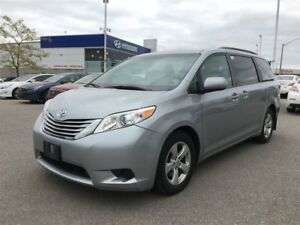 2016 Toyota Sienna LE/8 PASS