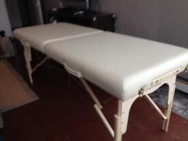 IMMACULATE PROFESSIONAL QUALITY MASSAGE TABLE + BAG + COVER + PORTABLE