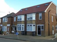NEWLY REFURBISHED STUDIO FLAT TOWN CENTRE