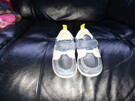Boys navy Clarke's baby walker shoes, size UK 4 F