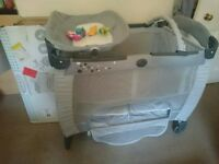 quick sale - Travel cot - no time wasters