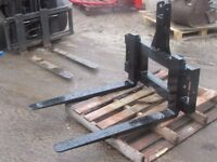 Tractor mounted pallet forks, Buckets, Bale Grab