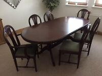Mahogany Dining Table with 4 chairs & 2 carvers