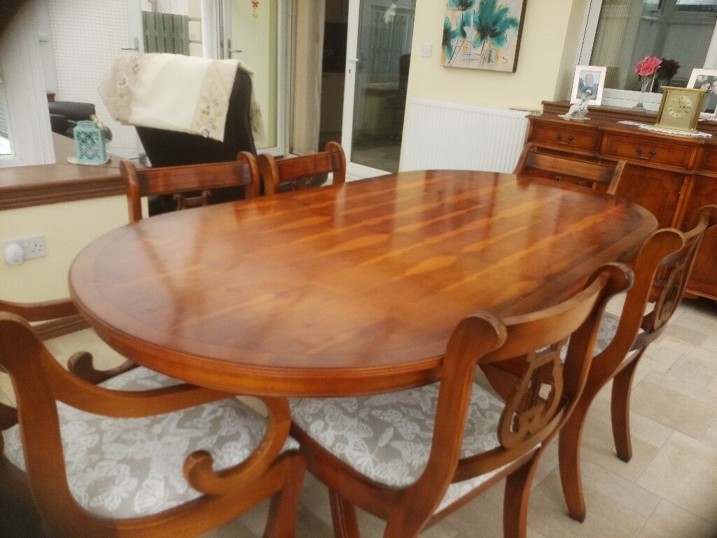 Antique Yew Dining Table And 6 Chairs 2 Carver
