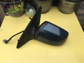 Ford Mondeo Mk3 Passenger-side electric mirror Green Essex SS17