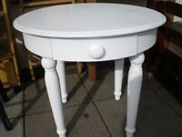 REDUCED- WHITE ROUND COFFEE TABLE