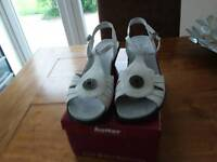 White leather sandles,HOTTER.Brand new size 7