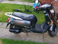 Kymco like 125cc moped
