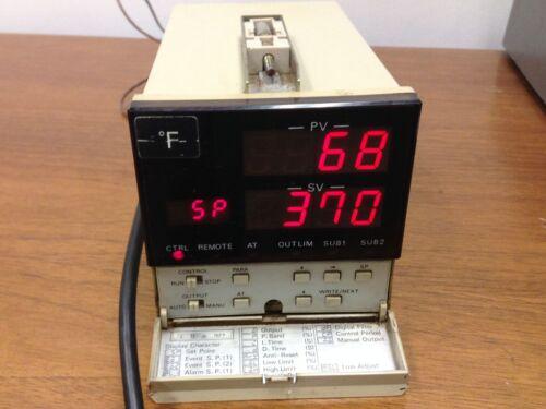 OMRON - E5KN - R9FJ - Temperature Controller