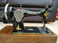 Vintage 1920s Hand Crank Singer Sewing Machine