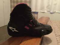 """Alpine Star """"STELLA"""" ladies motorcycle boots and gloves"""