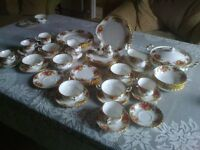 Royal Albert bone china tea set (Old country rose pattern)