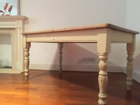 Antique dining table for 6 people