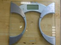 Weighing Scales - Good Condition!