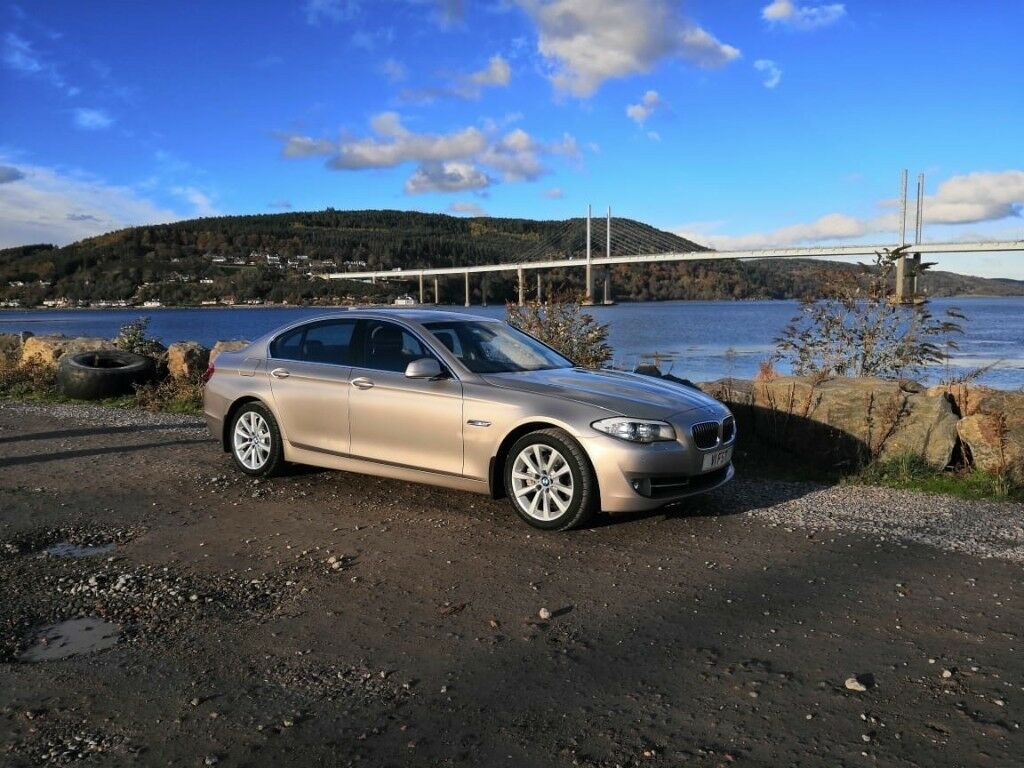 BMW 520d SE auto in immaculate unusual champagne silver ...