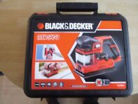 NEW BOXED BLACK & DECKER DUOSAND KA330EKA SANDER