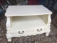 Quality TV/video stand with drawer under - Reduced for quick sale